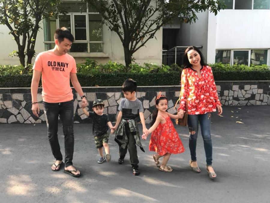 Gia đình hạnh phúc hiện tại của Ốc Thanh Vân và Trí
