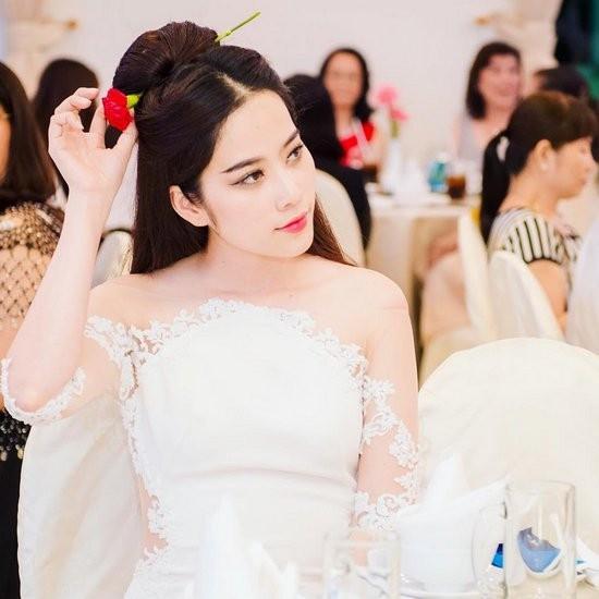 Nam Em lên tiếng trước tin đồn thách thức Trường Giang khi mặc váy giống Nhã Phương