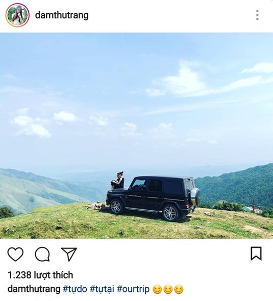 Đàm Thu Trang mới đây đã đăng tải lên trang instagram cá nhân hình ảnh chụp cùng Cường Đô La. Giữa bức tranh thiên nhiên hùng vĩ, người đẹp xứ Lạng ngồi trên đầu chiếc xe hơi sang trọng và người xuất hiện bên cạnh cô không ai khác chính là Cường Đô La.