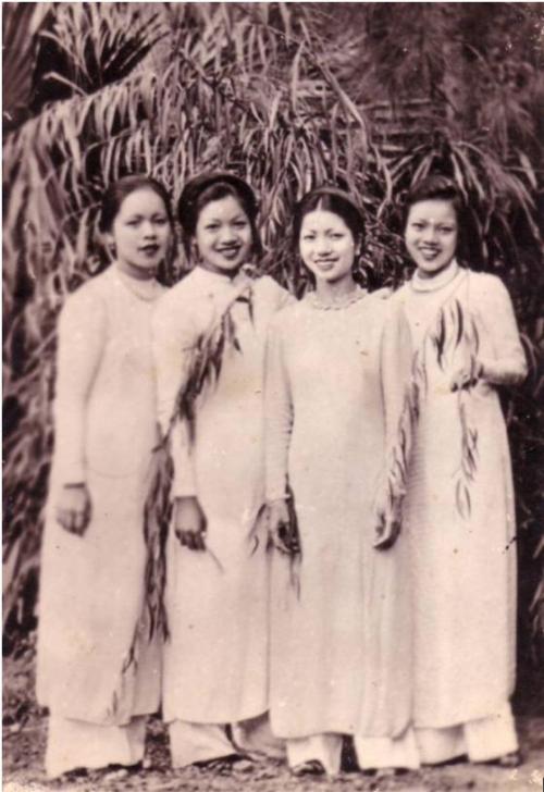 ao-dai-cach-tan-phunutoda