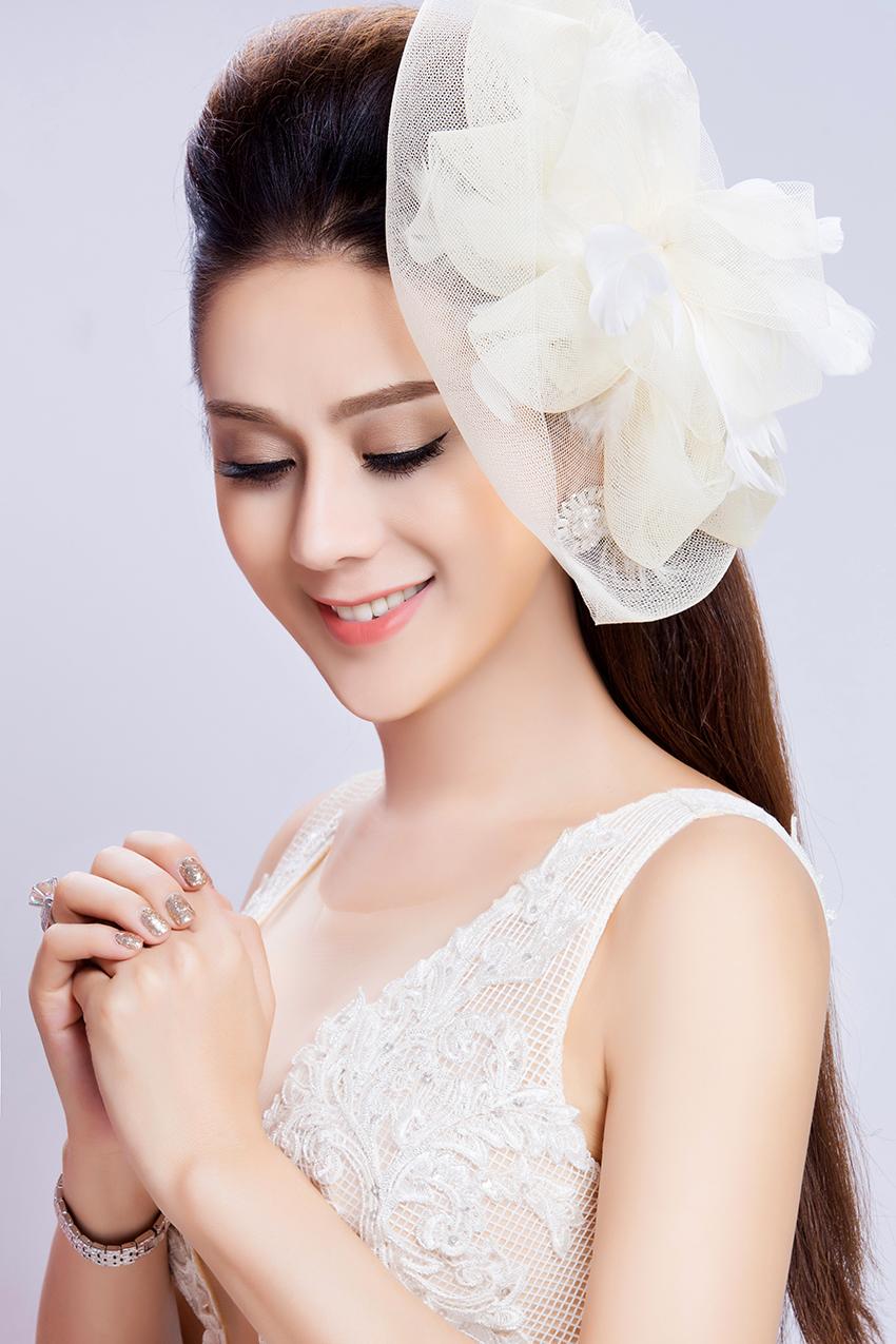 Có bạn trai đại gia, Lâm Khánh Chi nhanh chóng mặc váy cưới 6