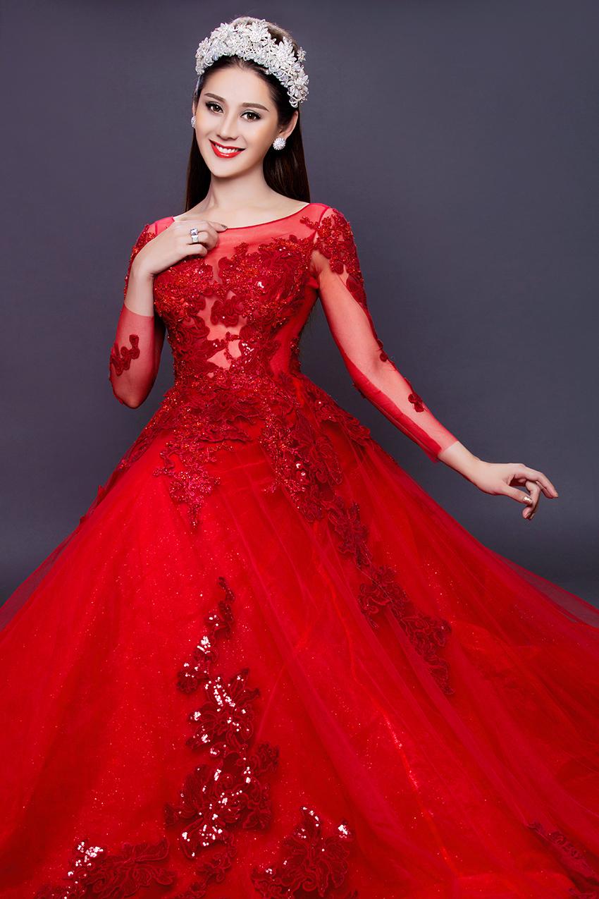 Có bạn trai đại gia, Lâm Khánh Chi nhanh chóng mặc váy cưới 10