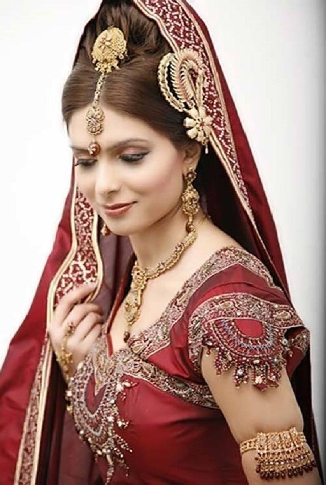 Bí mật đằng sau chiếc váy cưới của cô dâu Ấn Độ 4