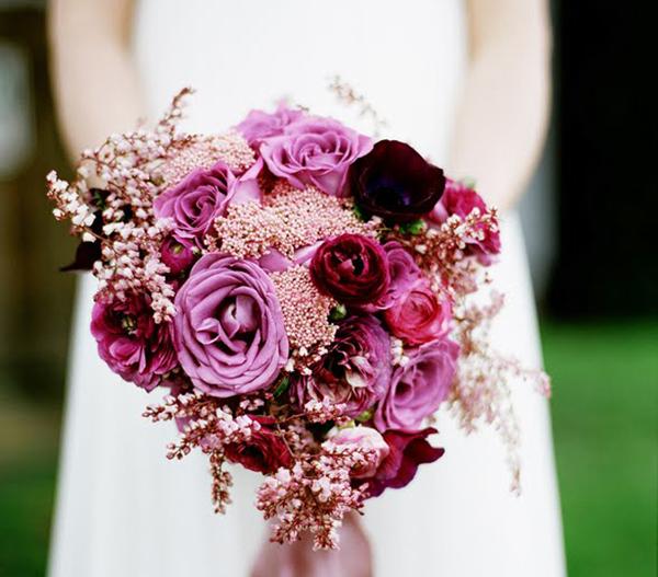 Kết quả hình ảnh cho hoa cầm tay cô dâu