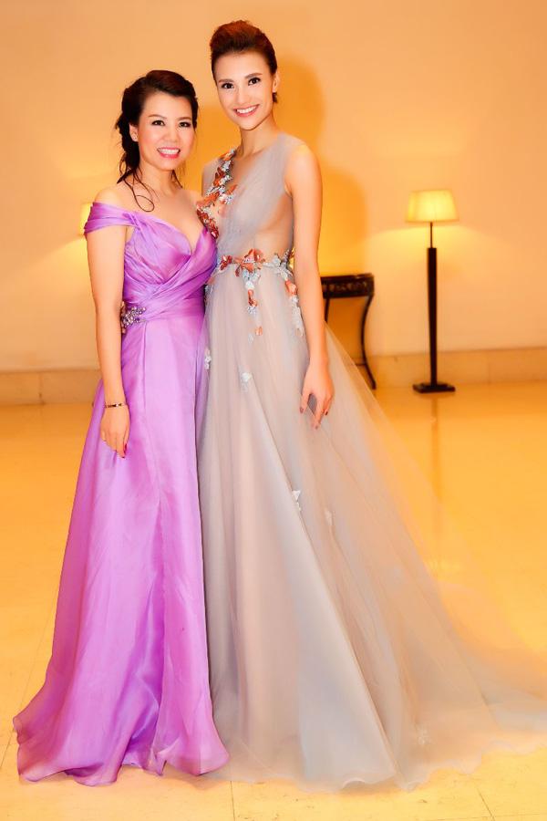 Những lần mặc váy dạ hội hiếm hoi nhưng vẫn đẹp tuyệt của Hồng Quế