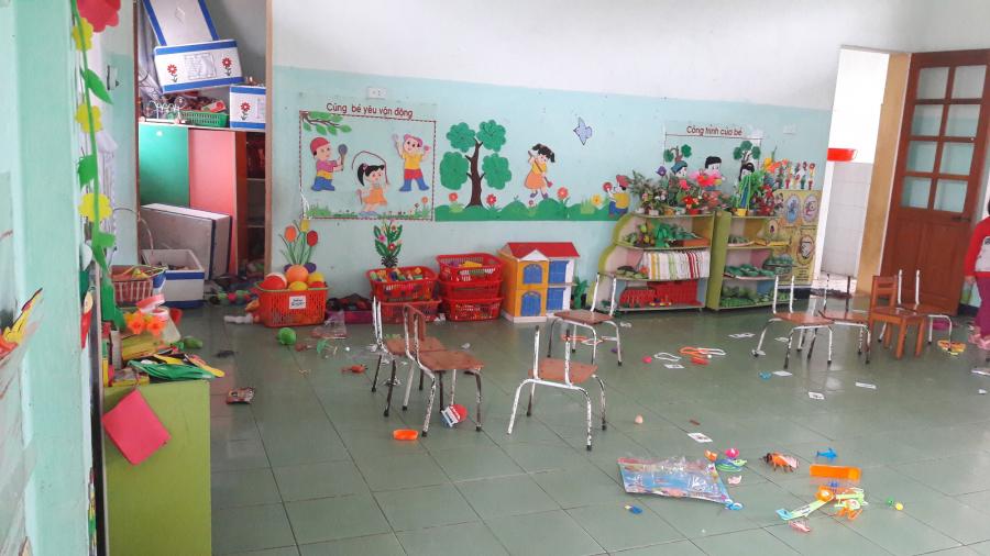 Phòng học của các cháu bị xáo trộn lung tung (ảnh: kenh14)