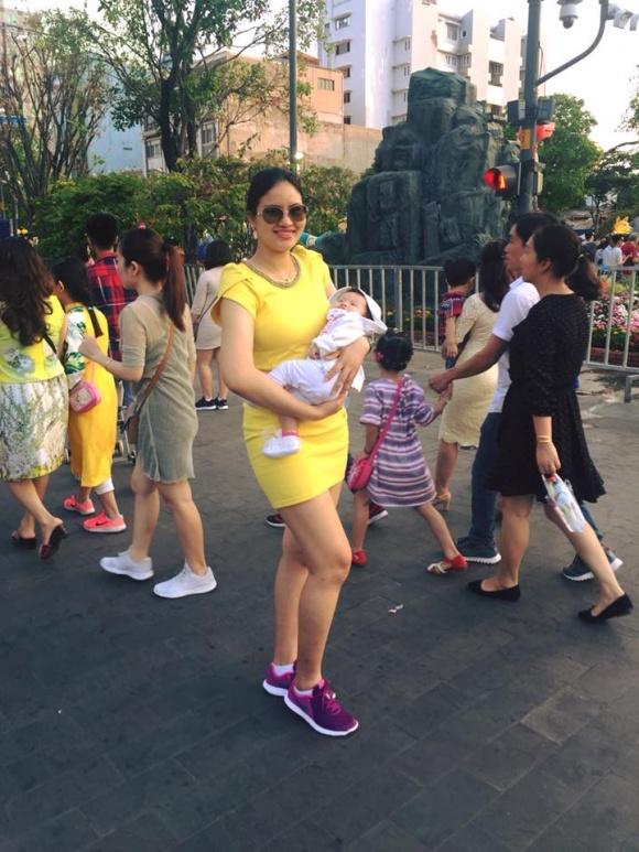 Thân hình phát tướng của người mẫu Lê Phương sau khi sinh con gái đầu lòng với người chồng thứ 2.