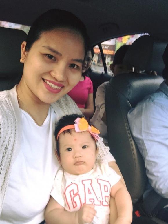 Mới đây, Lê Phương đã đăng tải hình ảnh của mình cùng cô con gái bé nhỏ trong dịp năm mới Mậu Tuất 2018.