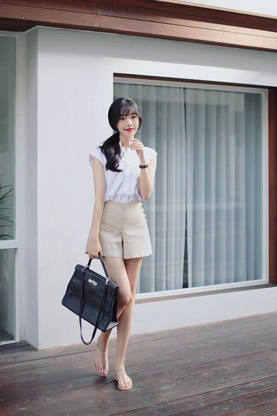Ngoài chân váy chữ A, các kiểu quần váy, short ống rộng cũng là sản phẩm được lăng xê ở mùa mốt mới.