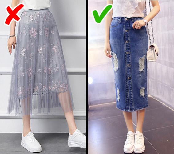 Váy vải tuyn cũng không còn hợp thời trang nữa và bạn nên chuyển sang váy bò hoặc váy chữ A thanh lịch và cá tính.
