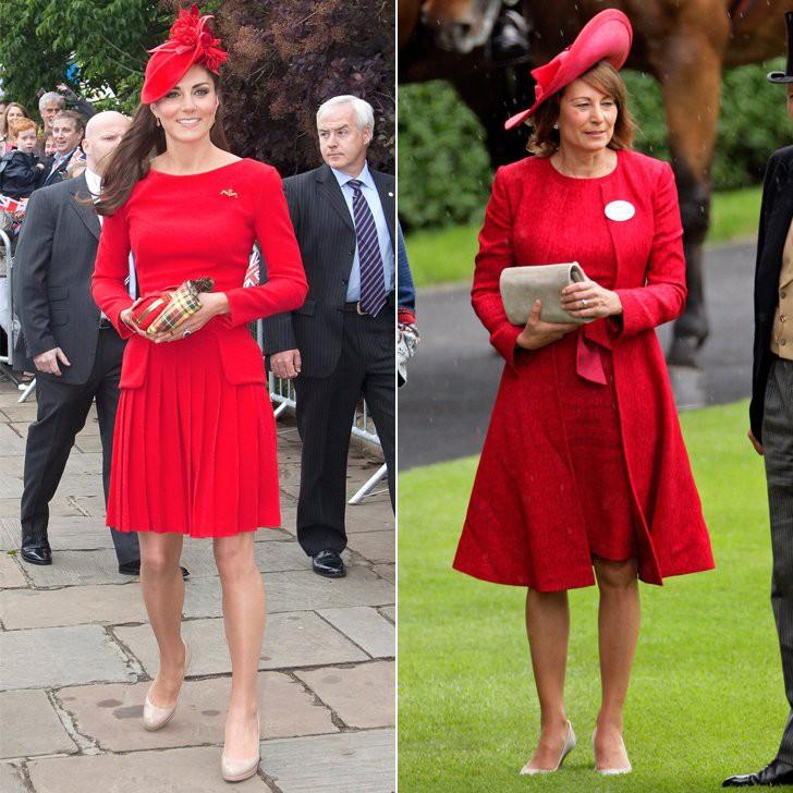 ... bà Carole còn thường xuyên dùng các thiết kế mũ độc đáo để làm điểm nhấn cho vẻ ngoài – một nét đặc trưng trong style của Công nương Kate.