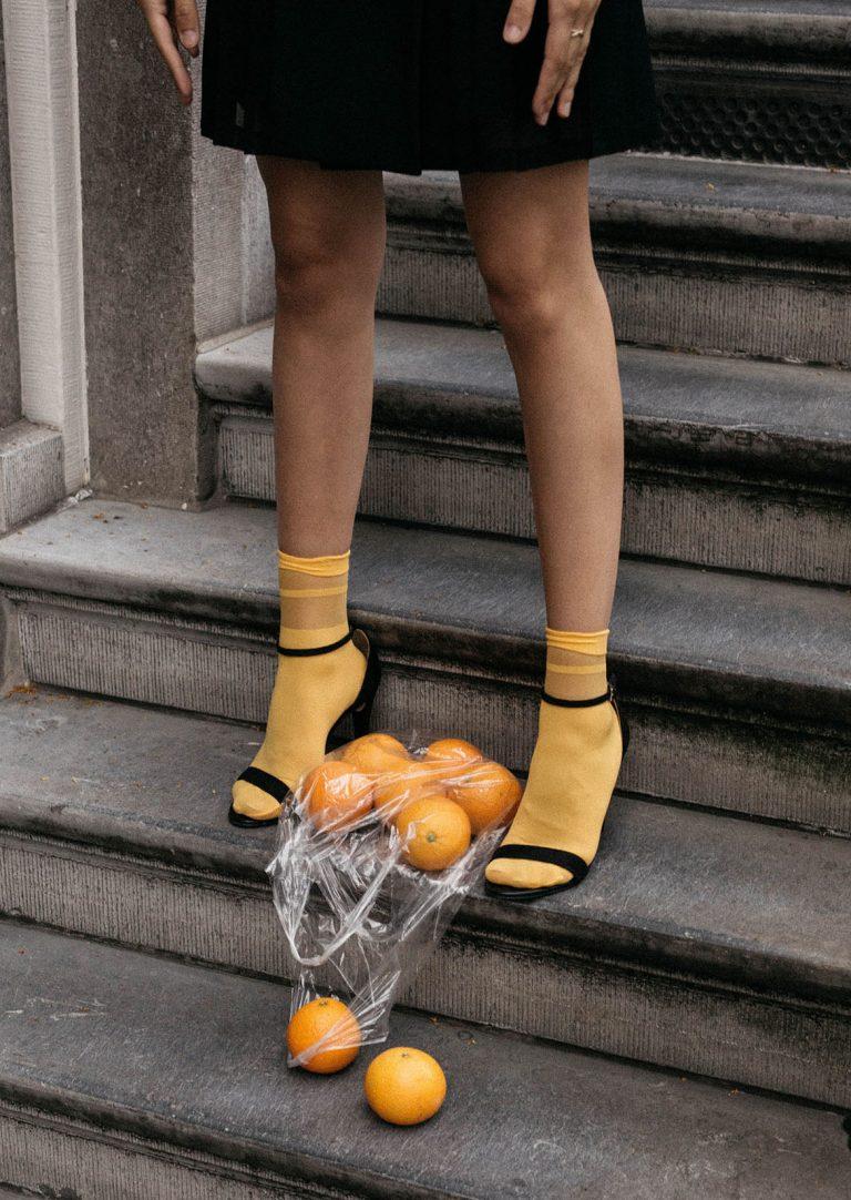 Xu hướng giày quai mỏng dễ dàng phù hợp với nhiều phong cách thời trang khác nhau.