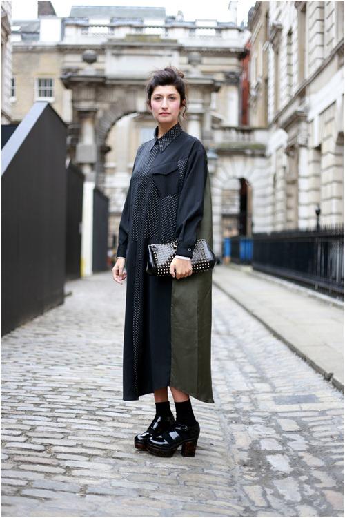 Váy sơ mi dáng oversize siêu dài siêu rộng sẽ dành cho những cô nàng thích phá cách