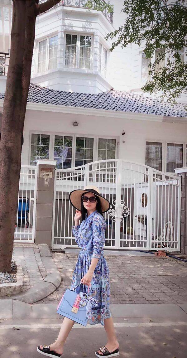 Cuộc sống sang chảnh của Dương Cẩm Lynh trước khi ly hôn.