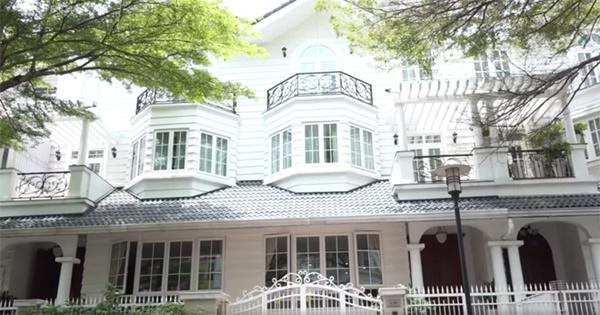 Căn nhà cũ nơi từng là tổ ấm của cô và chồng cũ.