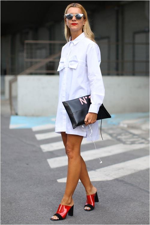 Váy sơ mi trắng được rất nhiều tín đồ thời trang ưa thích vì sự tiện dụng, thoải mái và tạo được cảm giác nhẹ nhàng trong những ngày nắng nóng.