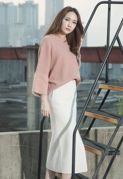 Gợi ý bạn gái mẫu áo len phong cách Hàn cho mùa thu đông 2016