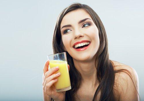 drink-pineapple-water