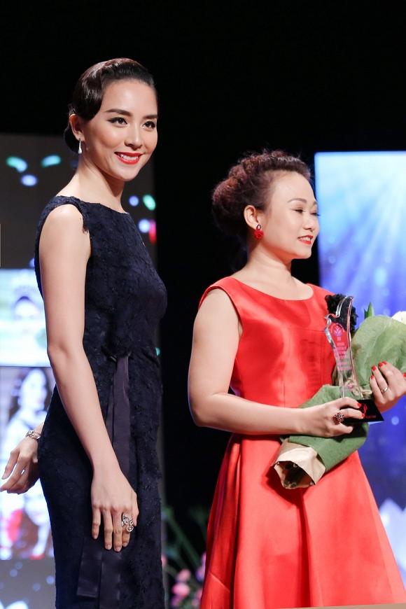 Kết hôn được 6 năm, Á hậu 2 cuộc thi Hoa hậu Hoàn vũ Việt Nam 2008 đã có hai cậu con trai kháu khỉnh. Kết hôn được 6 năm, Á hậu 2 cuộc thi Hoa hậu Hoàn vũ Việt Nam 2008 đã có hai cậu con trai kháu khỉnh.    duong-truong-thien-ly-phu    duong-truong-thien-ly-phu  Người đẹp ít khi nhận lời tham gia sự kiện để chăm sóc con cái và gia đình.
