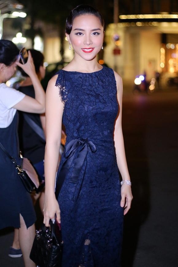 Năm 2008, Thiên Lý giành danh hiệu Á hậu 2 cuộc thi Hoa hậu Hoàn vũ Việt Nam. Cùng năm, cô đại diện Việt Nam tham gia Hoa hậu Thế giới.