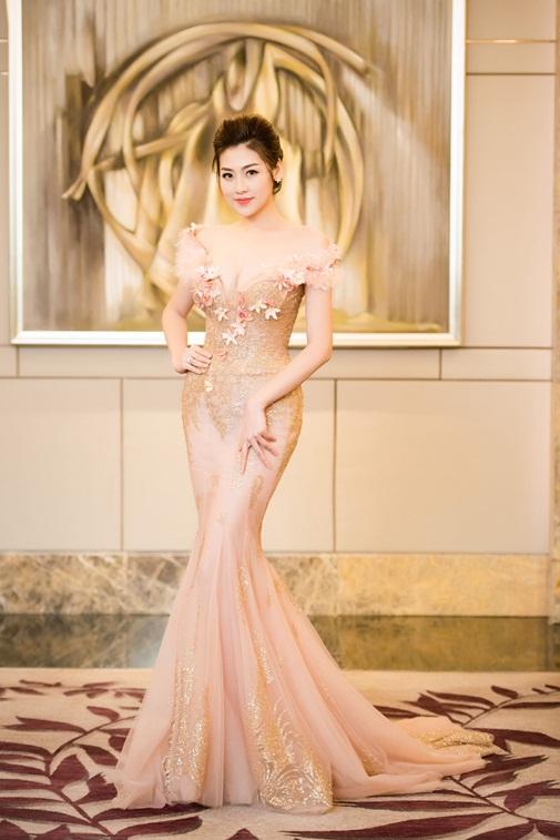 Top 7 mỹ nhân Việt mặc đẹp, quyến rũ nhất tuần qua