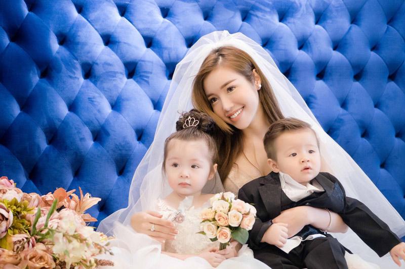 Mê mẩn bộ ảnh cưới của Elly Trần cùng 2 con đáng yêu như thiên thần
