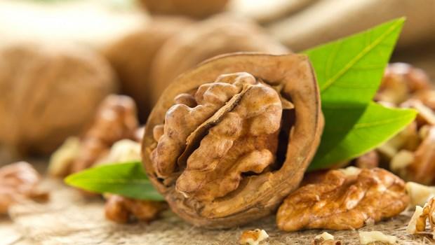 biotin-rich-foods-walnut