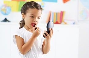 girl-applying-lipstick-dreamstime-xs-39614116-1492136438845-0-0-375-600-crop-1492136812126