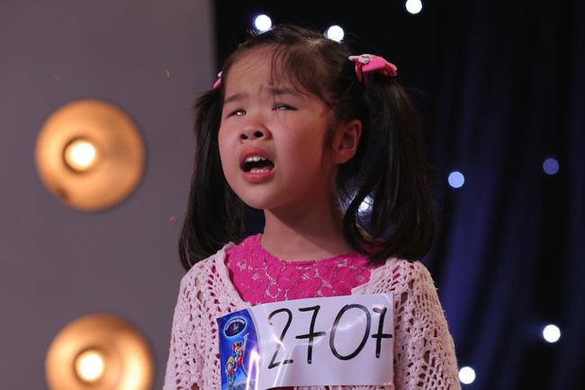 Cô bé khiếm thị 9 tuổi lay động trái tim hàng triệu khán giả bằng chính giọng hát trong sáng của mình