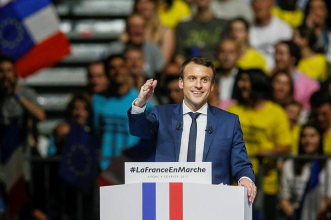 Tổng thống mới của Pháp Emmanuel Macron là ai?