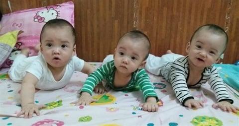 Bà mẹ 25 tuổi có 5 con chia sẻ: Mỗi ngày 50 lần pha sữa, thay bỉm, dù có mệt nhưng hạnh phúc