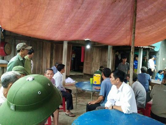 Quảng Bình: Sét đánh 5 người chết và bị thương khi đào huyệt mộ