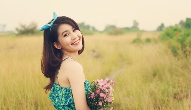 Phụ nữ hạnh phúc trong hôn nhân thường có 3 đặc điểm này trên gương mặt