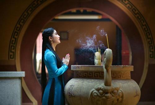 Phụ nữ có 9 mối thiện duyên với Phật, cả đời hưởng phúc lành