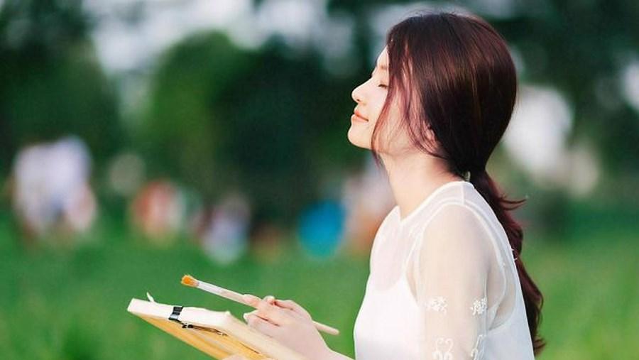 Đời người phụ nữ có 2 việc không thể chờ đợi, 2 thứ không thể sợ hãi và 2 điều không thể chọn lựa