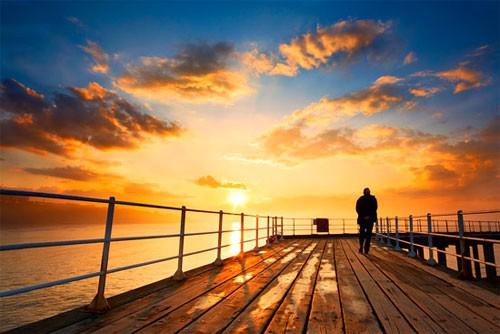 Đời người có 4 nấc thang: bước qua hết cuộc đời viên mãn, nhưng đại đa số đều mắc kẹt ở nấc thứ 2