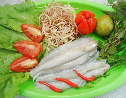 Cách nấu canh chua cá khoai ngon tuyệt dành cho mùa hè
