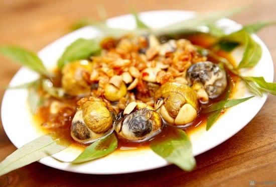 6.huong-dan-cach-lam-trung-cut-lon-xao-me-nong-hoi-2-phunutoday.vn
