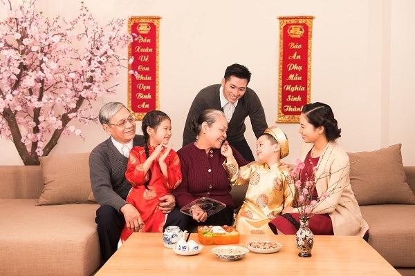 6.chon-nguoi-xong-dat-mo-hang-cho-gia-chu-tuoi-tan-mui-2-phunutoday.vn (1)