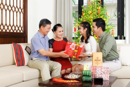 8.chon-nguoi-xong-dat-mo-hang-cho-gia-chu-tuoi-dinh-mui-2-phunutoday.vn (2)