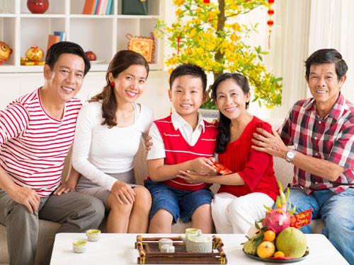 9.chon-nguoi-xong-dat-mo-hang-cho-gia-chu-tuoi-at-mui-1-phunutoday.vn (1)