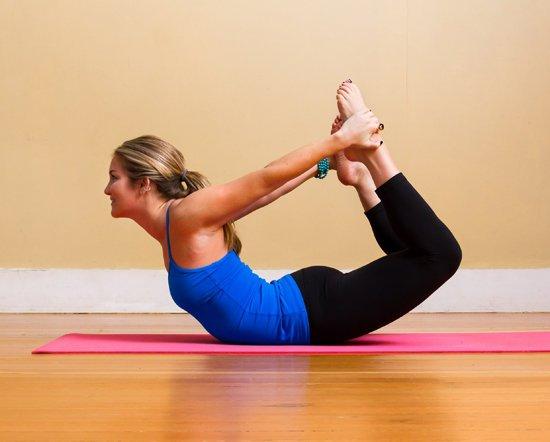 16.dong-tac-yoga-nao-tot-cho-nguoi-bi-day-hoi-hieu-qua-1-phunutoday.vn