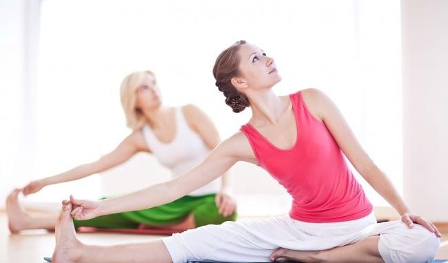 16.nguoi-bi-dau-nhuc-xuong-co-nen-tap-yoga-co-tap-yoga-khong-2-phunutoday.vn