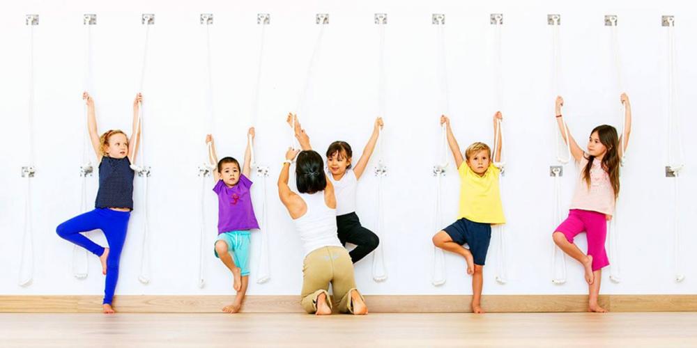 30.tu-the-yoga-tot-cho-suc-khoe-cua-be-2-phunutoday.vn