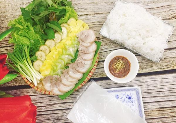 30.cach-lam-banh-trang-cuon-thit-luoc-phunutoday.vn