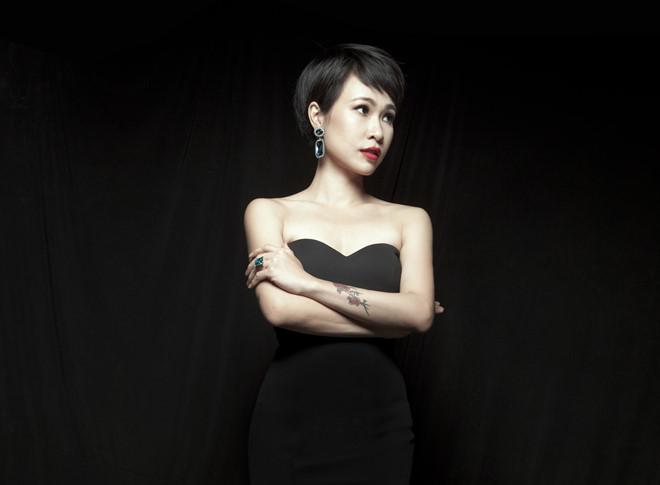 Ca sĩ Uyên Linh là ai?