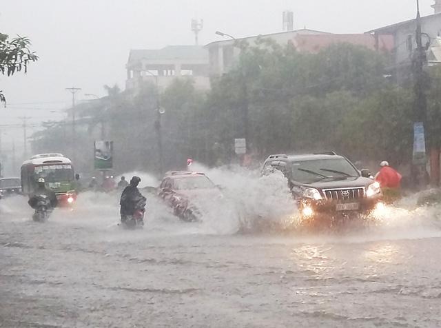 Bản tin thời tiết sáng 3/12: Miền Trung nhiều nơi mưa to đến rất to, đề phòng lũ lụt