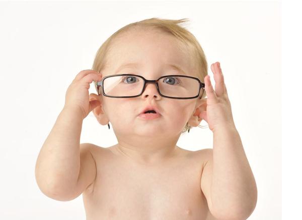 Mẹo cực hay giúp con khỏi cận thị mà không cần mổ
