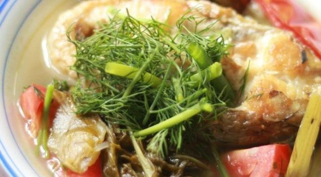 '. Làm canh cá nấu dưa chua thơm ngon nhất ai ăn cũng ghiền, cả nhà gắp không dừng đũa .'