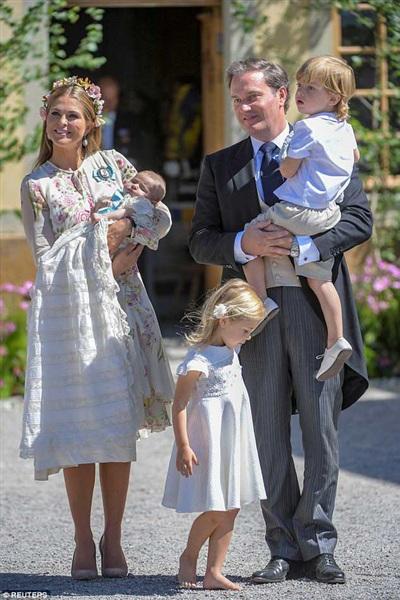 Gia đình 3 người của Madeleine, nữ Công tước xứ Halsingland và Gastrikland